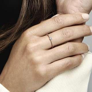 Prsten sa svjetloplavim kamenčićem