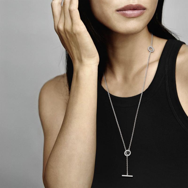 Ogrlica s pavé krugom, T-privjeskom s logotipom i srcima