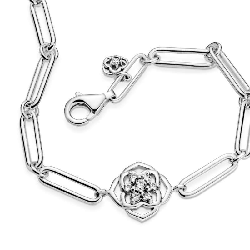 Narukvica lančastog dizajna Latice ruže